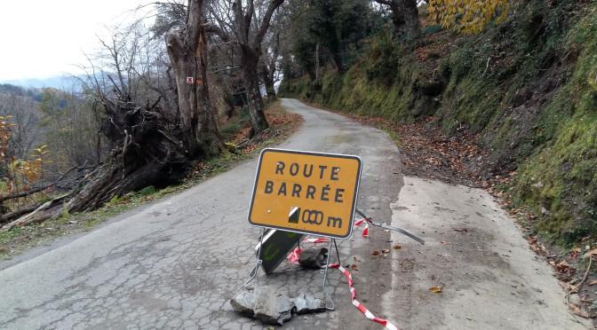 Danger sur la route de Nocario à Campana